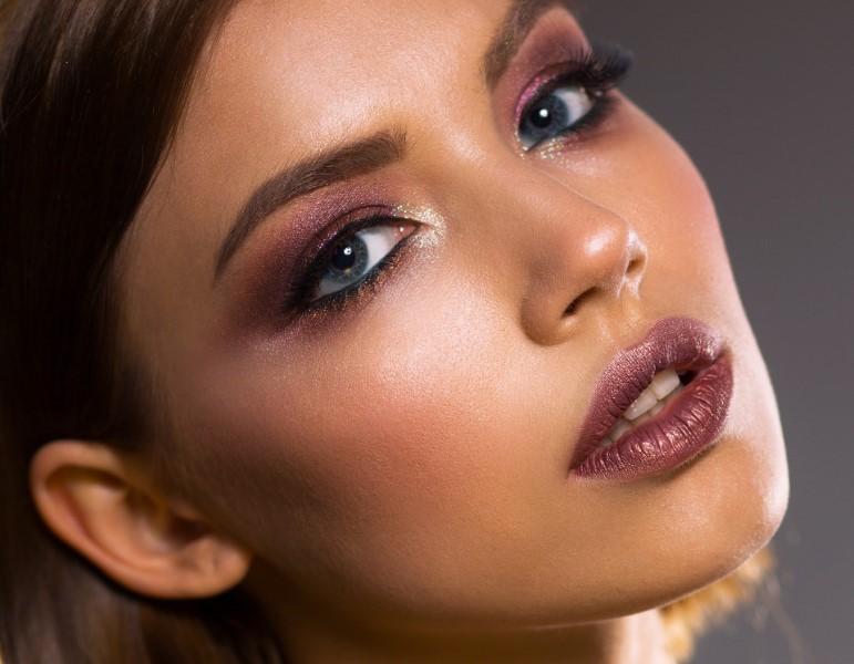 Konturiranje lica za uzbudljiv izgled