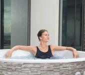 Masažni bazeni na napuhavanje su kućni spa centar