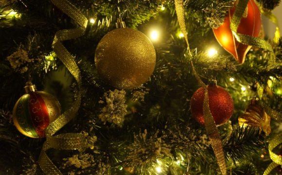Božićni ukrasi - kuglice za ukrašavanje drvca